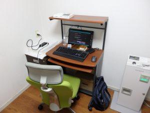 自習室 大型の印刷機も完備